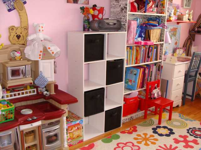 how to organize your kids bedroom on a budget, closetmaid cubeical