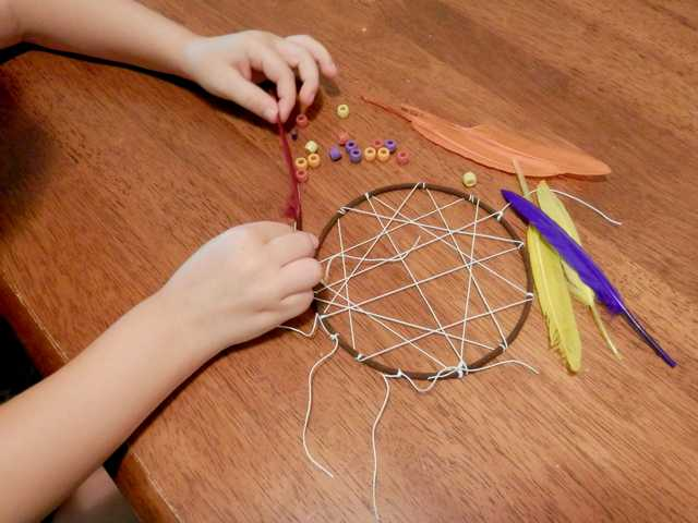 Making Dream Catcher